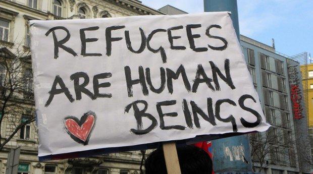 20150902-2013-02-16_-_wien_-_demo_gleiche_rechte_für_alle_refugee-solidaritätsdemo_-_refugees_are_human_beings-880x490